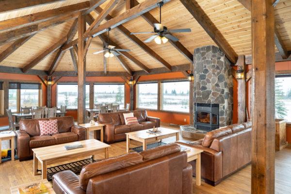 Lounge at Nanuk Polar Bear Lodge. Scott Zielke photo.